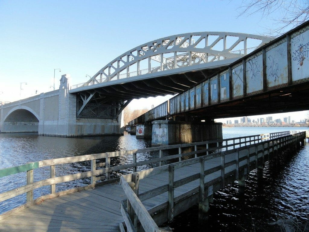 Otomobiller Hakkında 7 İlginç Gerçek Boston University Bridge