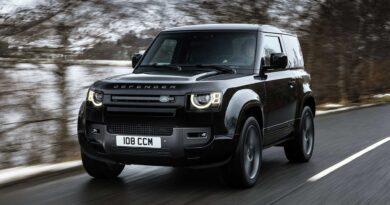 2022 Land Rover Defender V8, 518 Beygir Gücüne Sahip