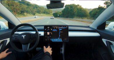 tesla otonom sürüş görseli