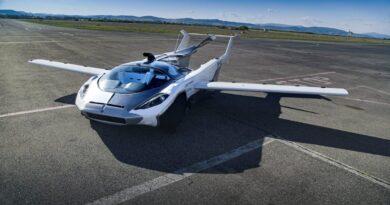Uçabilen Araba