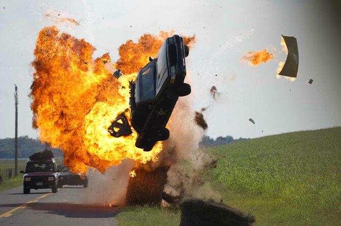 Filmlerdeki Araba Kazaları Gerçek mi?